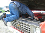 Grey nnomad good samaritan helps breakdown problems