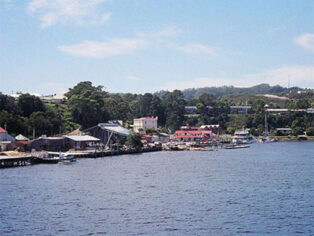 Grey nomads flock to Strahan