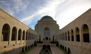 Grey nomads to visit Australian War Memorial