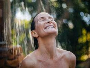 shower nudists
