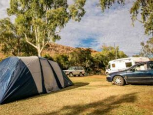 Grey nomads welcome in Alice Springs