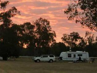 Grey nomads at Wandoan Showgrounds