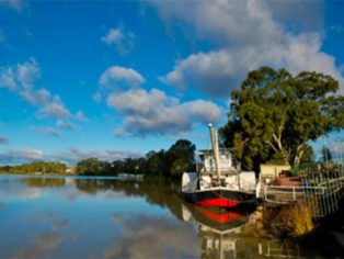 Renmark attracts grey nomads