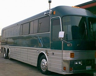 Converted buses travelling around Australia