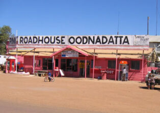 Pink Roadhouse, Oodnadatta Track