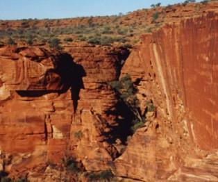 kings canyon on the mereenie loop road