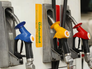 Fuel price pain for grey nomads