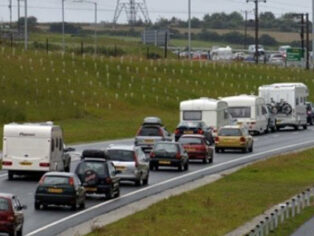 Caravanners and grey nomads not popular with other road users