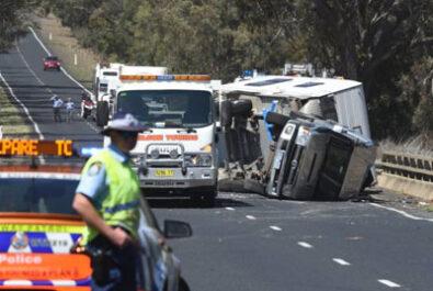 Caravan rollover near Dubbo