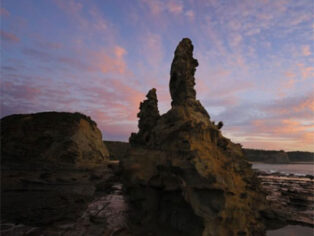 Inverloch in Victoria attracts grey nomads