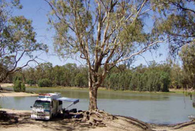 Grey nomads and riverside camping in Victoria
