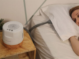 Moona cooling pillow for grey nomads