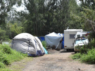 Illegal camping on the Brisbane River
