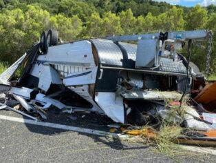 caravan rollover caused by blown tyre